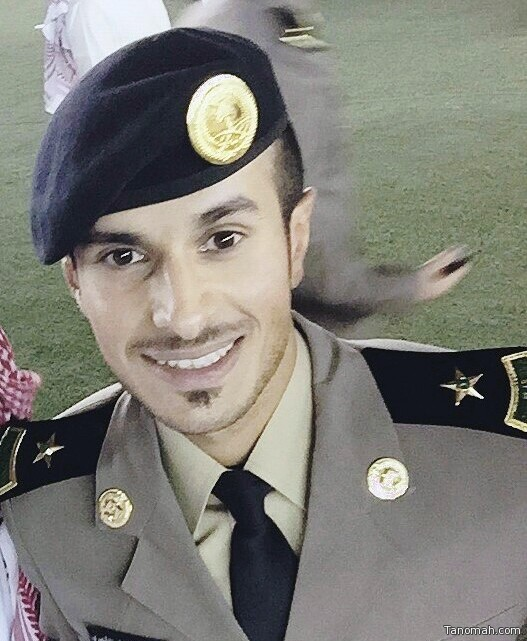 العقيد.م عاطف بن فائز يحتفي بتخرج إبنه محمد ملازم