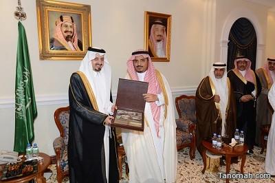 أمير منطقة عسير يستقبل المهنئين بحلول شهر رمضان المبارك