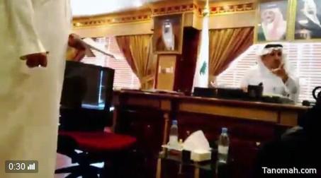 متحدث صحة نجران يوضح ملابسات فيديو طرد مدير صحة نجران لمواطنه من مكتبه