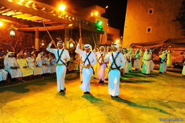 بالصور .. الفلكلورات الشعبية تزين حفل إفتتاح صيف النماص