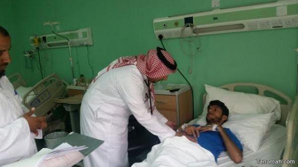 الدكتور عادل حسن يبدأ عيادته في مستشفى تنومة