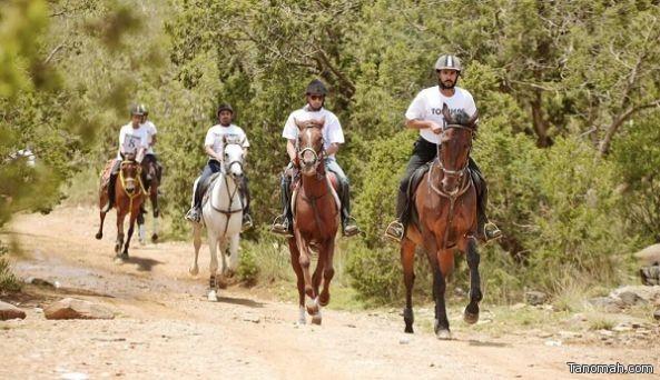 نائب رئيس السياحة يطلق سباق القدرة والتحمل الجبلي على كأس أمير عسير