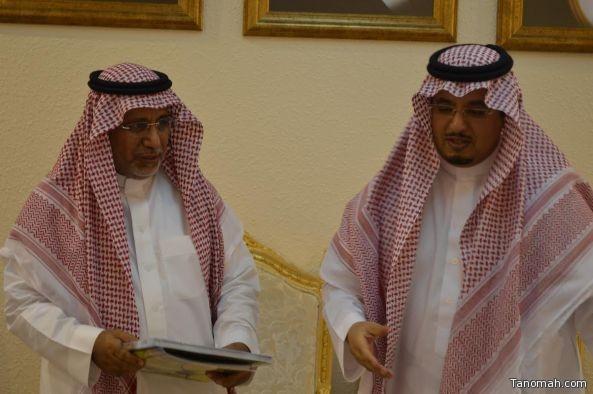 محافظ تنومه يستقبل قائد لواء الملك عبدالعزيز بالحرس الوطني واركانات اللواء