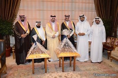 أمير عسير .. يستقبل محافظ بيشة ولجان مهرجان الصفري