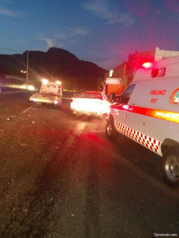 أصابات في حادث تصادم شمال تنومة