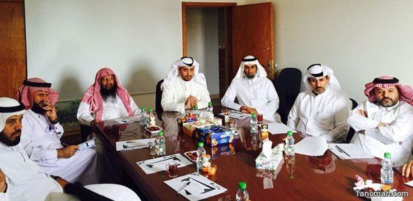 مدير مكتب التعليم ببني عمرو يلتقي قادة المدارس