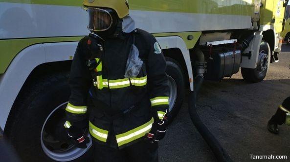 الدفاع المدني بأبها يباشر حادث تسرب وقود لناقلة أثناء عملية تفريغها بإحدى محطات الوقود
