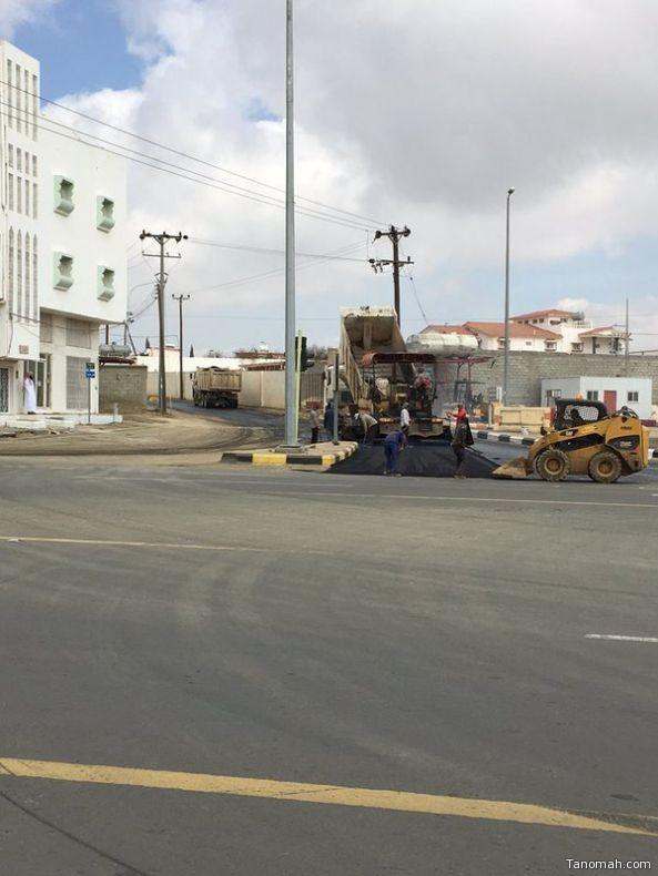 """أصحاب صهاريج المياه يناشدون رئيس بلدية تنومة بإستكمال سفلتة طريق """"العوصاء"""""""