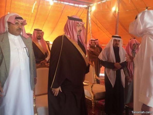 سمو الأمير تركي بن طلال يقدم واجب العزاء لأل الزور