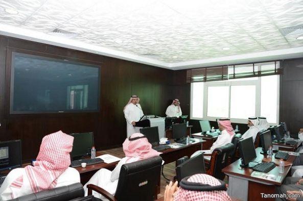 مدير جامعة الملك خالد يوكل عمداء الكليات لاستقطاب أعضاء هيئة التدريس المتميزين