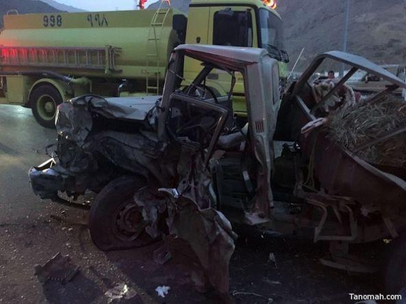 ثلاث وفيات واصابة حرجة بحادث مروري على طريق ابها الدرب