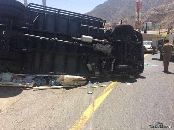 وفاة شخص واصابة آخر بحادث مروري بعقبة ضلع