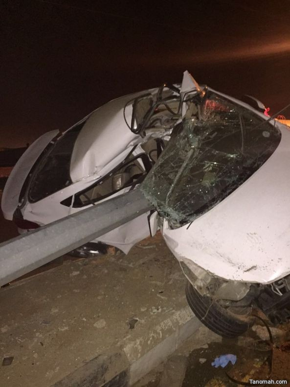 وفاة خمسة أشخاص أربعة من عائلة واحدة واصابة سبعة في حادثين بـ #عسير