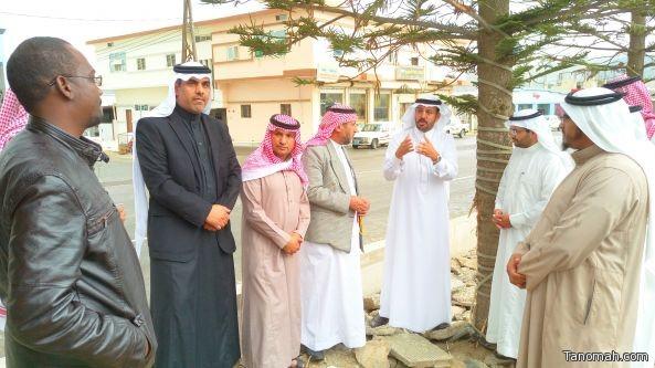 بلدي #تنومة يقف ميدانياً على مشروع رصف الشارع العام