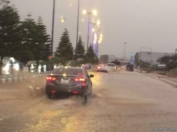 بالفيديو: مطالب بحلول عاجلة لمشكلة تصريف مياه الأمطار شمال #تنومة