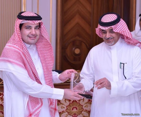وزير الثقافة والإعلام يكرم قيادات معرض الرياض الدولي للكتاب ٢٠١٦م