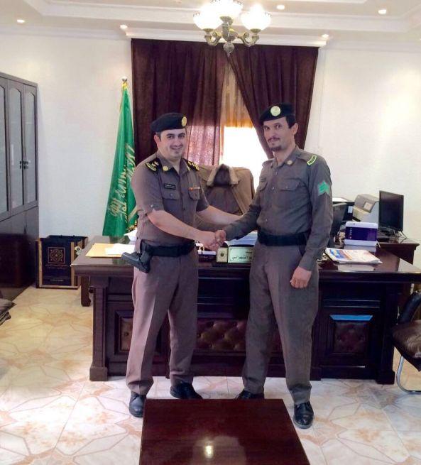 مدير شرطة #تنومة يقلد صالح عمر رتبته الجديدة