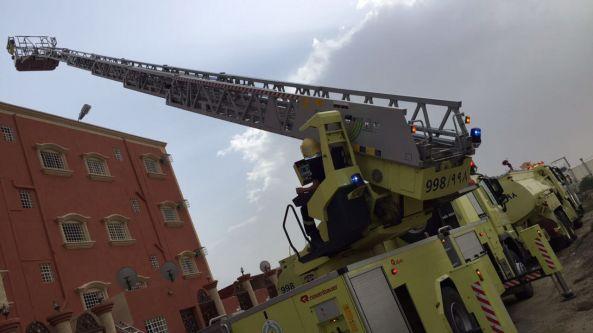 إخلاء بنايةوحالات إختناق في حريق في #خميس_مشيط