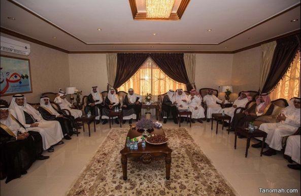 بالصور:وكيل إمارة منطقة عسير وبعض ضيوف جائزة أبها في ضيافة نائب وزير الخدمة المدنية  بمنزله بـ #تنومة