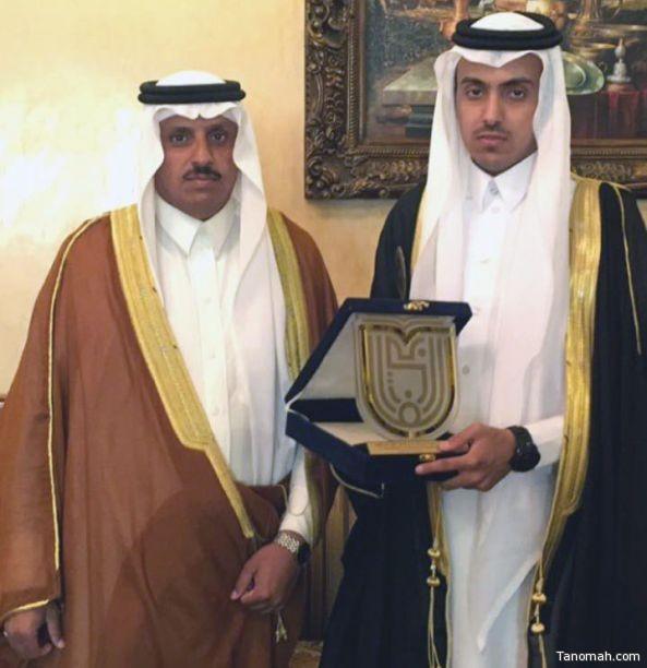 """فيصل بن هاشم يحصل على البكالوريوس في """"طب وجراحة الفم والأسنان"""""""