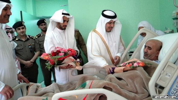 #الهزاني يعايد المرضى المنومين في مستشفى تنومة وعدد من مشايخ المحافظة