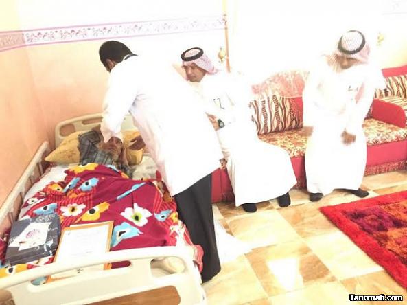 ادارة القطاع الصحي بمحافظة محايل تعايد المرضى بمنازلهم