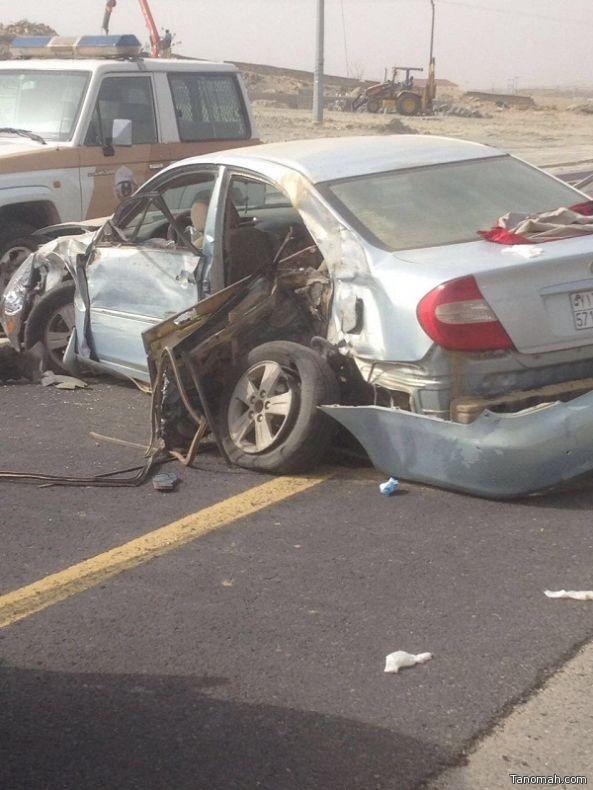وفيات واصابات في حادث على طريق #محايل #بارق