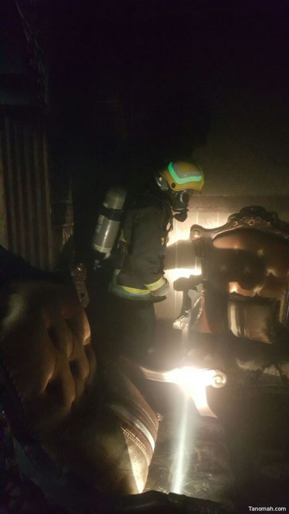 مدني #محايل يخمد حريق وينقذ محتجز