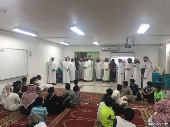 الدكتور السنيدي يزور نادي الملك سلمان الموسمي بمحافظة تنومة