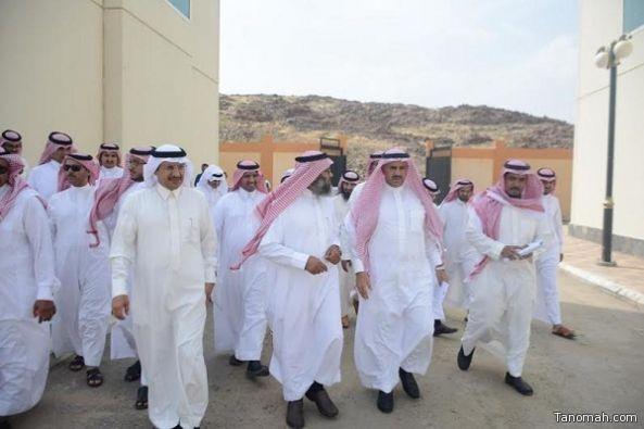 مدير جامعة الملك خالد يطالب بسرعة تسليم عدداً من المباني المستعجلة