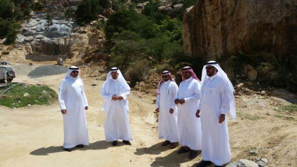 """#الهزاني يتفاعل مع شكوى مواطن ويقف ميدانيا على منتزه """"الجبل"""""""