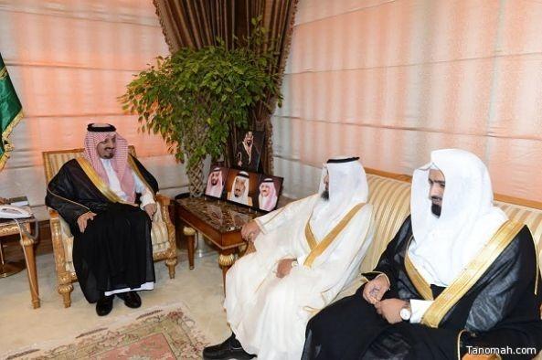 أمير عسير يستقبل مدير هيئة الأمر بالمعروف