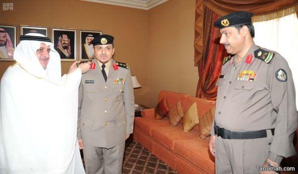 أمير منطقة تبوك يقلد العقيد خالد الشهري رتبته الجديدة