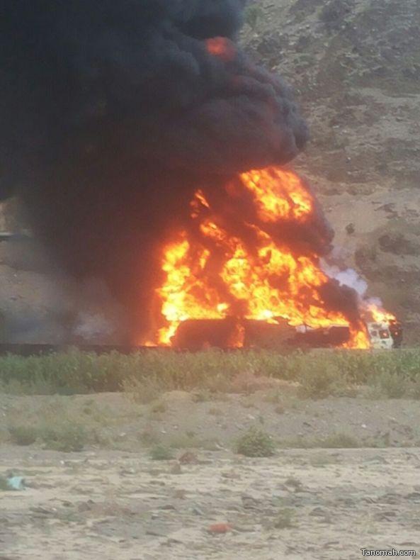 بالصور:حادث تصادم مروع لثلاث شاحنات يخلّف أربع وفيات وثلاث إصابات حرجة
