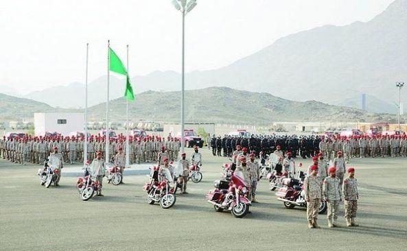 بأمر الملك .. منح وسامي الملك فهد والملك فيصل من الدرجة الثالثة لـ 260 ضباطاً بالقوات المسلحة