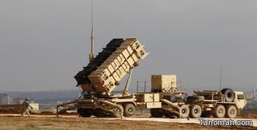 سقوط صاروخ باليستي في منطقة صحراوية غير مأهولة بالسكان أطلقته المليشيات الحوثية باتجاه خميس مشيط