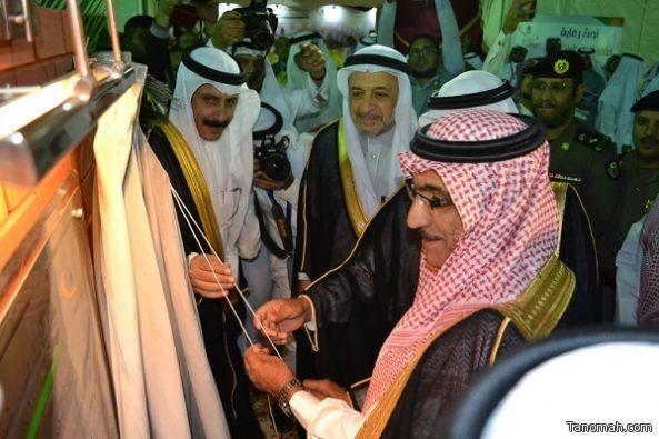 نيابة عن أمير عسير ..ابن مشيط يضع حجر أساس لكلية البترجي الطبية