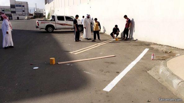 طلاب مجمع زيد بن ثابت يفعلون درس العمل التطوعي ميدانيا