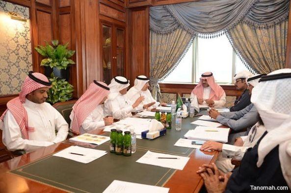 مدير جامعة الملك خالد يطلع على آخر تحديثات موقع مؤتمر الإعلام  والإرهاب