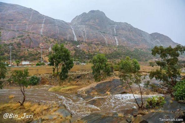 بالفيديو:أمطار غزيرة على محافظة #تنومة