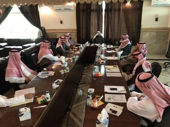 المجلس البلدي بمحافظة #تنومة يناقش مشروع مبنى البلدية وطرق القرى المتأثرة بالسيول