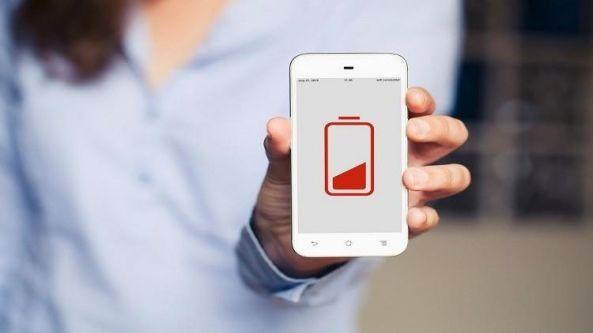 تطبيق يشحن الهاتف في 30 ثانية يثير جدلا بين علماء الفيزياء
