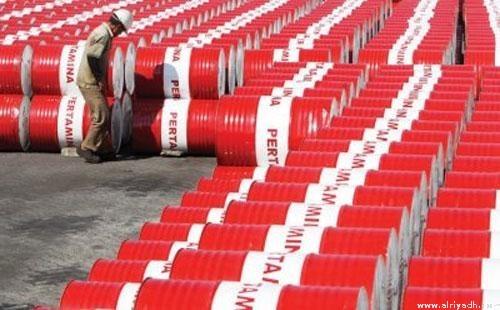 النفط يرتفع وسط توقعات بانخفاض المخزونات الأمريكية
