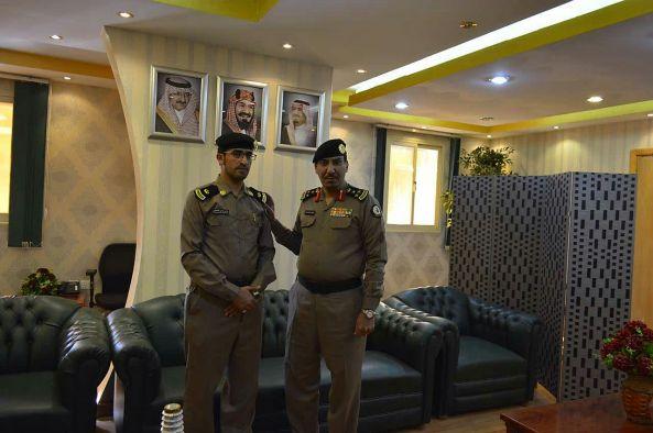 السليس يقلد مدير سجن #تنومة رتبته الجديدة