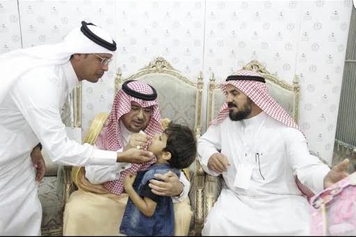 محافظ #محايل يدشن الجرعة الثانية من الحملة الوطنية للتطعيم ضد شلل الأطفال