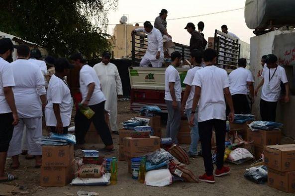 """"""" بر أبها """" تطلق حملة """" عطاء """" مع فريق جامعة الملك خالد التطوعي"""