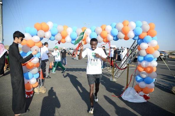 مدير جامعة الملك خالد يرعى سباق اختراق الضاحية بمشاركة 350 متسابقا