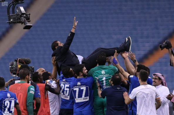 الهلال بطلا للدوري السعودي للمحترفين لكرة القدم للمرة 14 في تاريخه بفوزه على الشباب