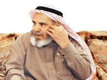 الشيخ/ علي بن جابر الشهري يطلب من أبنه العودة إلى أرض الوطن.