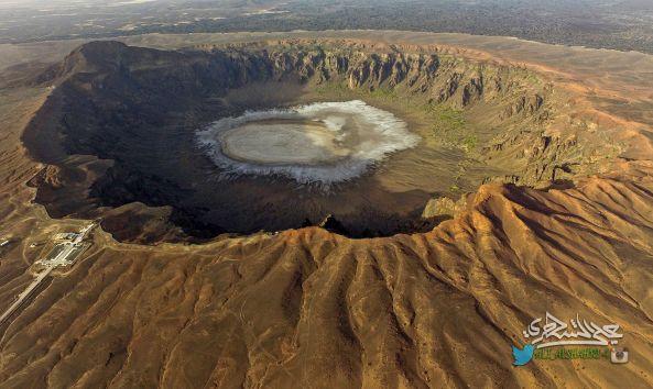 طيران فوق أضخم بركان في المملكة العربية السعودية (فوهة الوعبة) 17-7-1438